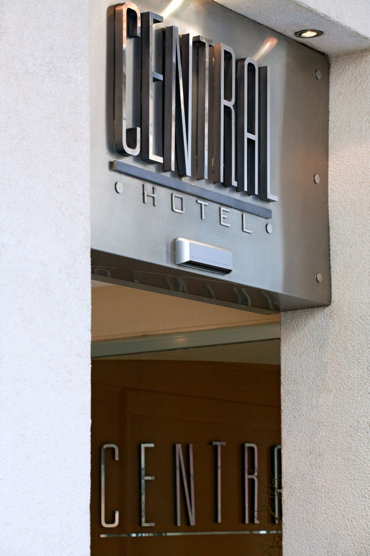 Central Hotel is centrally located in the heart of the Old City of Plaka and the Acropolis, only 200 m. away from the Constitution square, the city's business district.