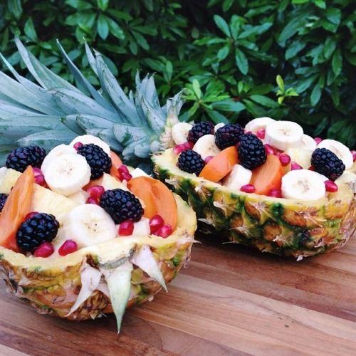 Fruity goodness!! Pineapple, bananas, fuyu persimmons, pomegranate seeds, & blackberries.