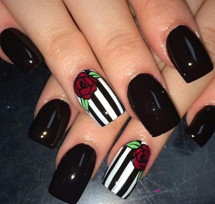Best 25+ Goth nails ideas on Pinterest | Goth nail art ...