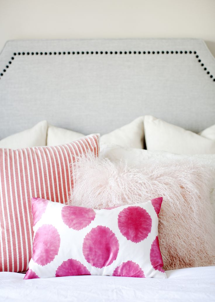 gorgeous mismatched pink pillows // pretty for a girls room