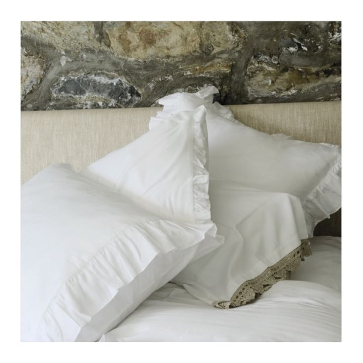 Sadelik, şıklıktır. Fırfırlı 100% koton saten nevresim takımlarımızla yatak odalarınızda sadeliği ve şıklığı yakalayın.  Simplicity is chic. Take a sleep with elegant look in this classically styled ruffle design. Pure organic cotton.  https://simplelifeistanbul.com/tr/nevresim_takimlari/101/firfir_beyaz_nevresim_seti?utm_content=buffer57ba5&utm_medium=social&utm_source=pinterest.com&utm_campaign=buffer