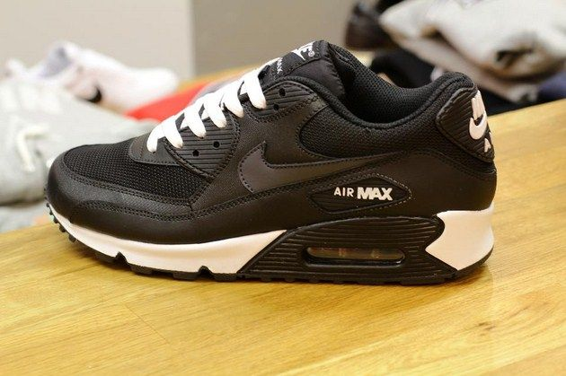 Nike Air Max 90 – Black/Anthracite – White