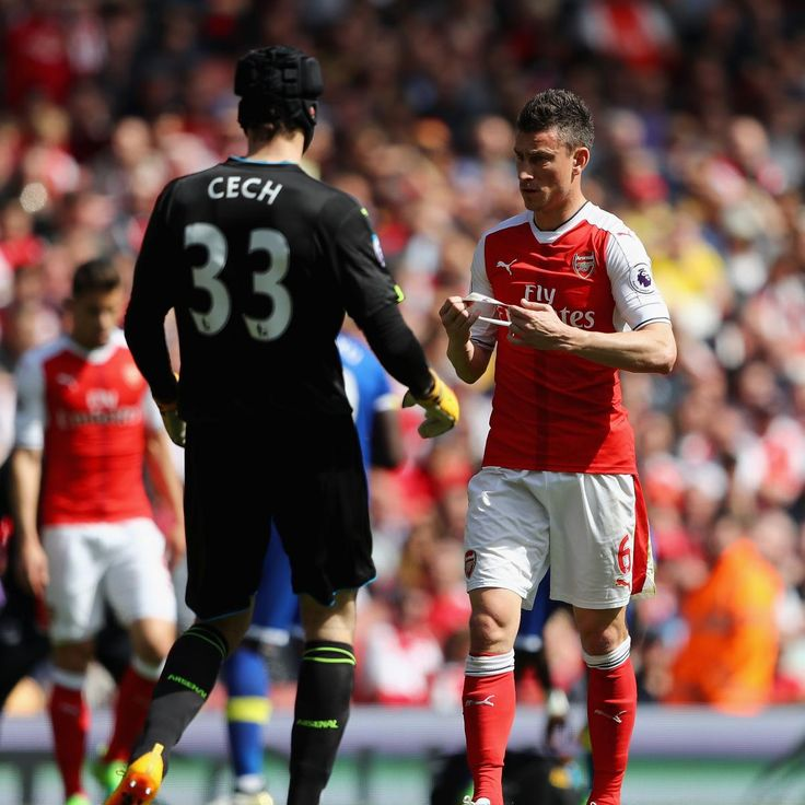 Laurent Koscielny to Serve 3-Match Ban for Red Card, Will Miss 2017 FA Cup Final