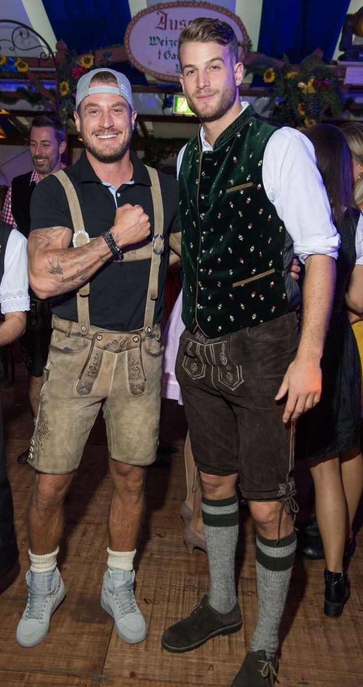 Lederhosen. Nichts als Lederhosen | Oktoberfest outfit
