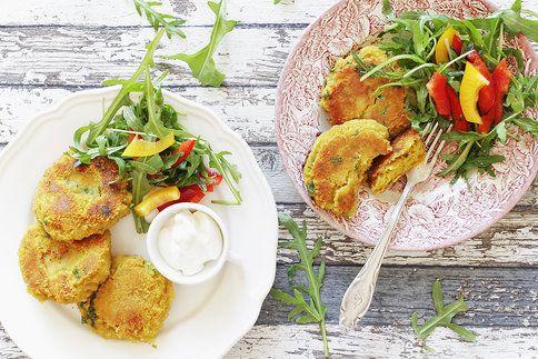 Rychlá večeře nebo jednoduchý oběd s sebou do krabičky. K placičkám stačí přidat kopec zeleniny a pochutnáte si!
