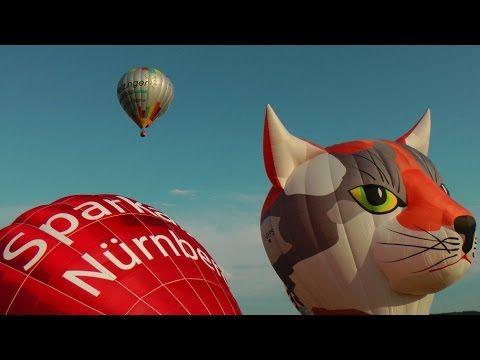 4.Hummel Montgolfiade 12 Heißluftballone steigen in den Abendhimmel - YouTube