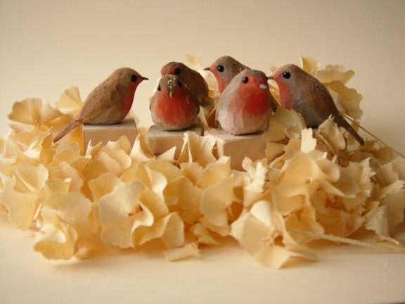 To view a selection of my carved and painted birds CLICK HERE