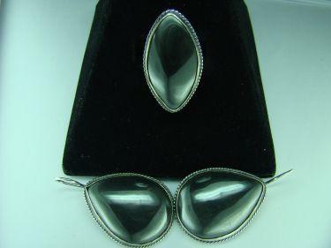 Серьги кольцо камень гематит