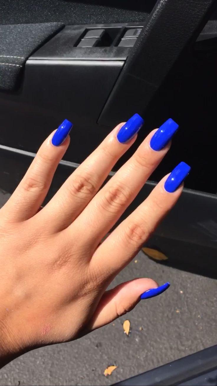 royal blue grad nails