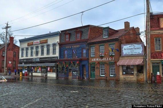 king tideA king tide floods a street in Annapolis, Maryland, in 2012. Credit: Forsaken Fotos/Flickr. -