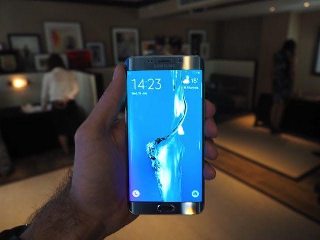 El Samsung Galaxy S7 incluiría USB tipo C y lector de tarjetas   Cuando hablamos de gama alta uno de los fabricantes que más expectaciones suele levantar es Samsung. La firma surcoreana suele poner cada año toda la carne en el asador y a pesar de que en sus últimos años pecó de incluir un diseño muy continuista parecen haberse puesto las pilas este año con productos como el Galaxy S6 Edge.  El próximo año está cada vez más cerca y con el una nueva generación de dispositivos se acercan y con…