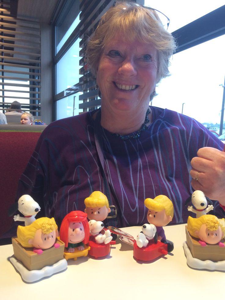 Happy new year met happy meal met.........Snoopy