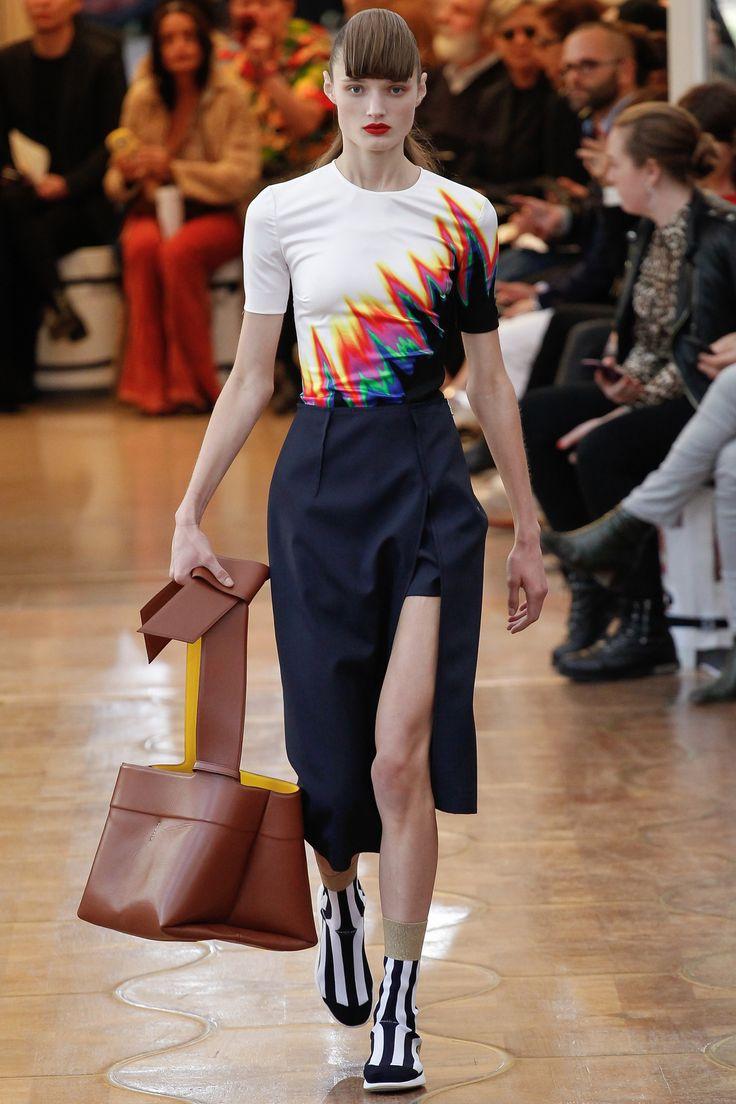 Acne Studios Spring 2016 Ready-to-Wear Fashion Show - Olivia Jansing (Next)