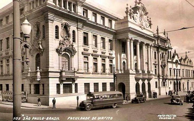 Década de 30 - Faculdade de Direito no Largo São Francisco.