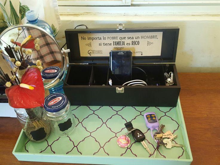 Estación de carga a partir de una caja de vino
