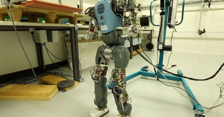 Robots learn to walk naturally by understanding their bodies  ||  Scientists have developed a smarter, more flexible robot that can walk more like you do. https://link.crwd.fr/4hZD