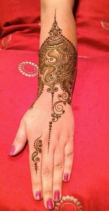 Mehandi Designs For Hands--love these dots and spirals!