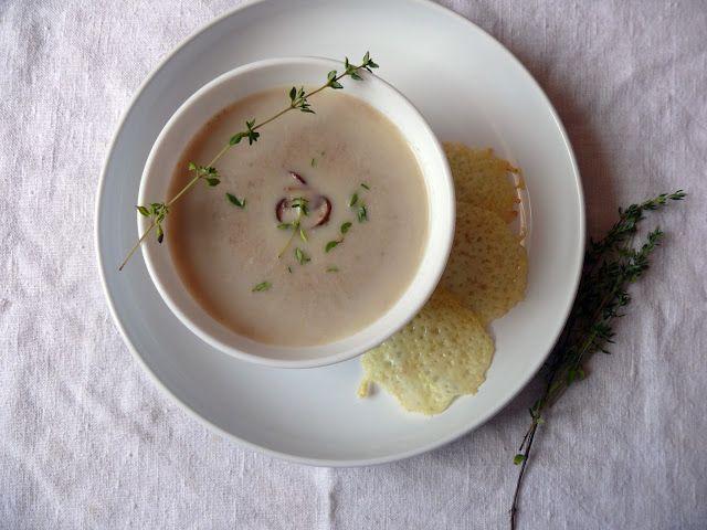 Kakukkfüves gombakrémleves Recept: http://voroskaktuszdietazik.blogspot.hu/2015/08/kakukkfuves-gombakremleves-sajtchipssel.html