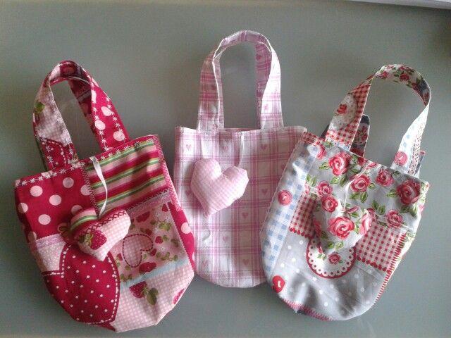 tasjes voor kleine dametjes ;)