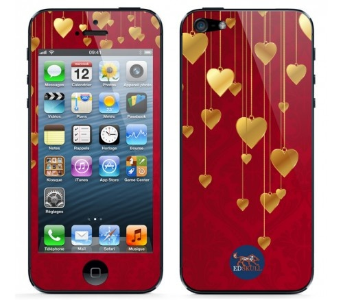 Let your #iPhone5 celebrate #christmas too and dress it with this #gold #tinsel #hearts #skin !