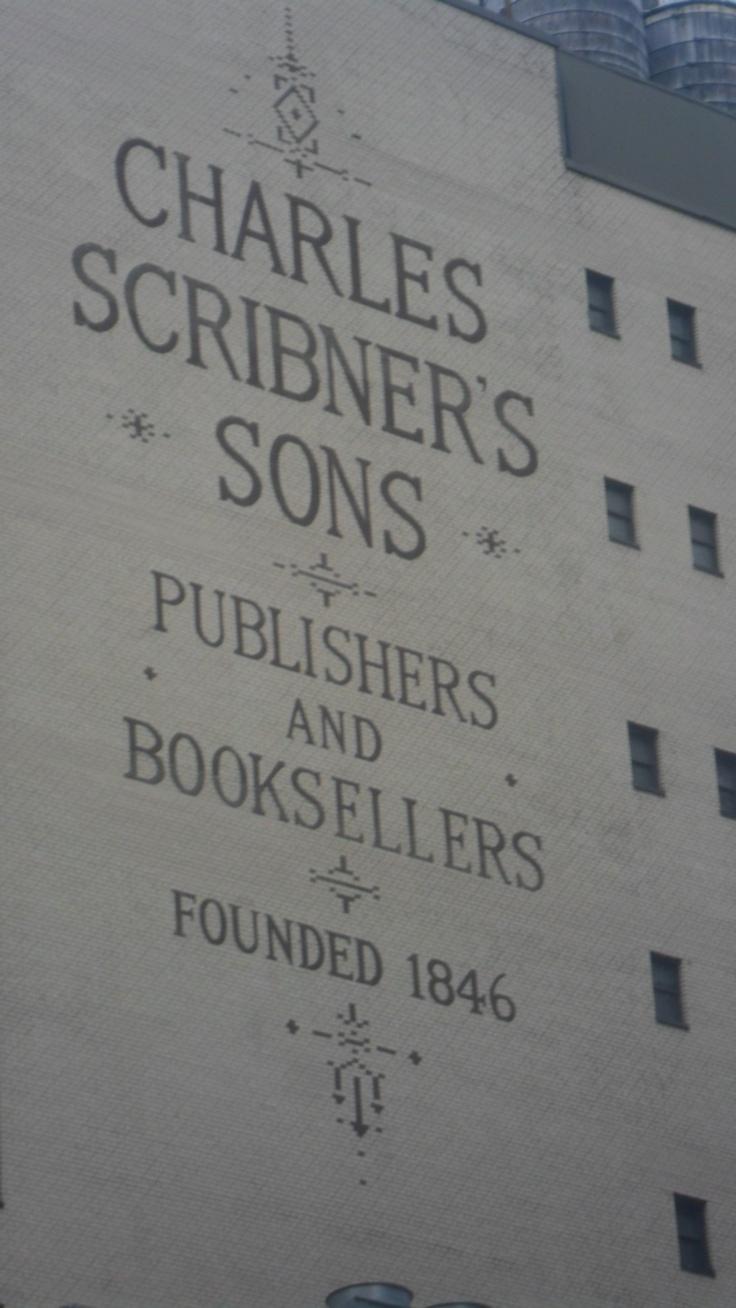 Antiguo cartel publicitario de una editorial. Manhattan