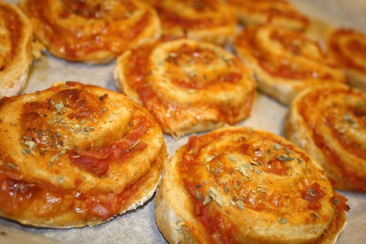 Grove pizzasnegle med skinke og ost (16)