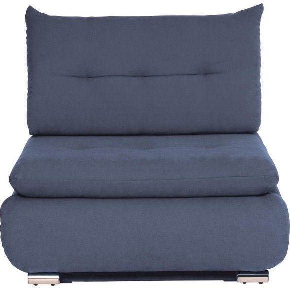Dieser Schlafsessel von NOVEL ist etwas ganz Besonderes: Das Möbelstück ist ein chicer Hingucker und bietet Ihren Gästen gleichzeitig einen praktischen Schlafplatz! Dank einer Schaumstoffpolsterung und eines Federkerns begeistert der Sessel mit höchstem Komfort. Die Oberfläche aus Synthetikfasern ist in einem kräftigen Blau - der Trendfarbe Petrol - gehalten und betont die moderne Optik. Dabei harmonieren die chromfarbenen Füße perfekt mit der kräftigen Farbgebung.
