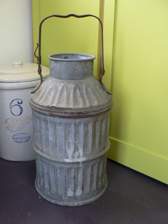 ancien pot 224 lait zinc ondul 233 lait peut par twentiethcenturyfind d 233 co dairy