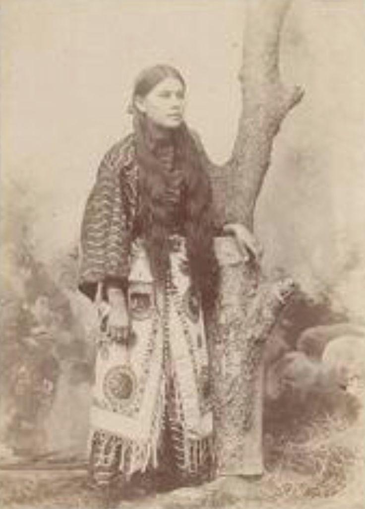Needle parker daughter of comanche chief quanah parker