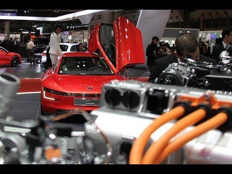 Tokio Motor Show 2013: Was schätzen Japaner an deutschen Autos?  In Japan gehen die Autouhren anders als in Europa. Begehrt sind Mittelklasse- und Premiumfahrzeuge, man mag den Luxus und sagt auch zu einem Chauffeur-Fahrzeug nicht nein, doch die meisten Autokäufer konzentrieren sich auf kleine, sparsame, umweltfreundliche und nach Möglichkeit auch temperamentvolle Autos. Technologien und Konzepte, die diese Kriterien bündeln, kommen in dem Inselstaat besonders gut an. (news2do.com)