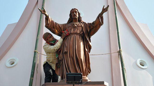 """La verdad oculta: """"Jesús no nació el 25 de diciembre, ni en Belén, n..."""