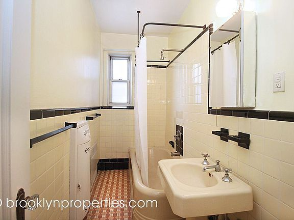 Copyright Says Brooklynproperties Floor Is Lovely What Is That Thing Behind The Sink And Where Is The Toilet Retro Bathrooms Art Deco Bathroom House Design Prepping jadeite bathroom for holiday