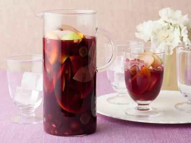 Pomegranate Sangria Recipe from Bobby Flay! #holidayentertaining