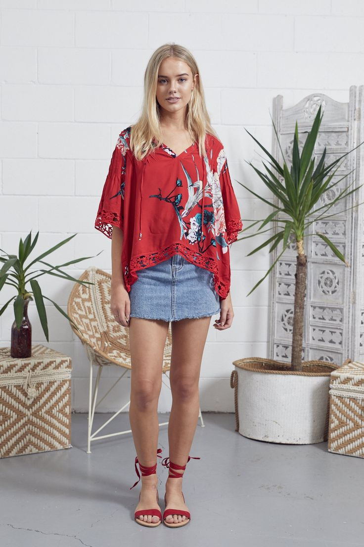 This divine new boho loose fit top by Jaase gorgeous Florentine print is perfect to pair with denim jeans loose flowing blouse style plunge style v-neckline