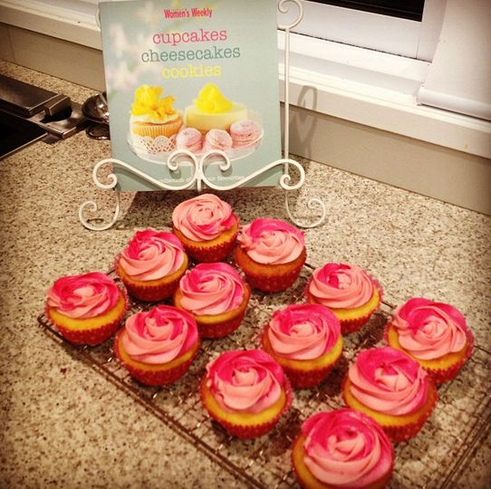 Double pink icing vanilla cupcakes | Food | Pinterest
