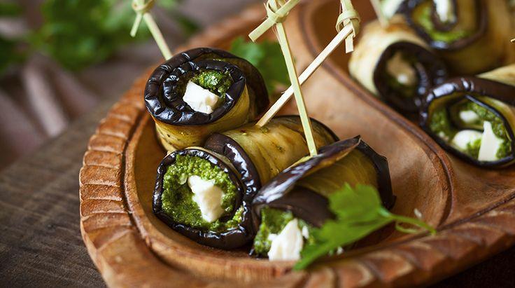 Questa è una ricetta che appartiene alla tradizione della Sicilia sud orientale,in cui i sapori del mare e della terra si coniugano spessissimo. Erano ann