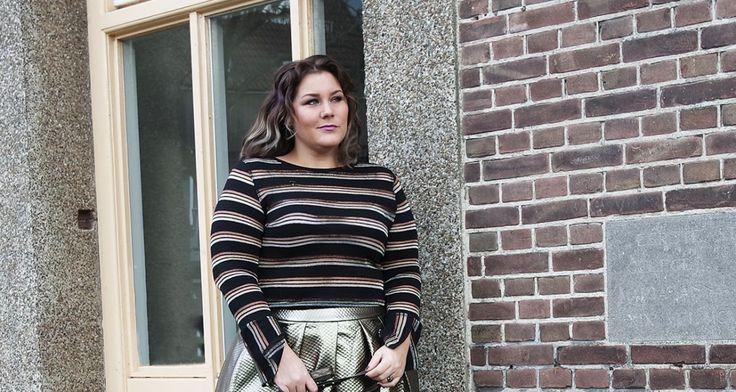 In 2017 ga ik voor goud   #blogger #curvy #Elvi #fishnet #gouden rok #grote maten #netpanty #plus size #winter 2016 #Yours Clothing #Zara