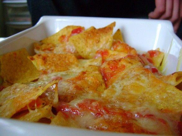 La ricetta dei nachos messicani al formaggio da fare al forno