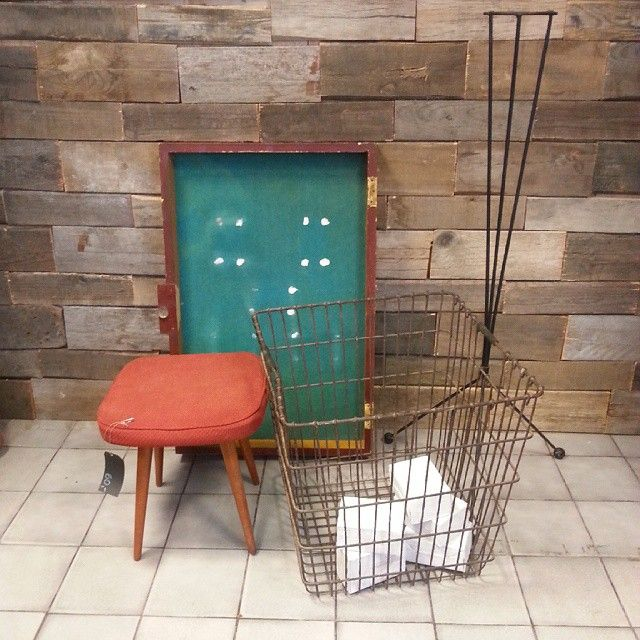 #tablica informacyjna #taboret #kosz #stojaknakwiaty wszystko  wyprodukowane minimum 50 lat temu :) #vintage #furniture #interiors #industrial #design #loft #retro #vintageshop #sklepvintage #poznan #70erjahre #70er #70s #lata70te #lata60te #60er #60s #60erjahre #basket #chair