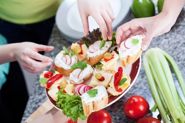 Il colore a #tavola: Una sana #alimentazione aiuta corpo e mente a lavorare bene e #sentirsi in forma.http://www.sfilate.it/230152/colore-fa-differenza-tavola