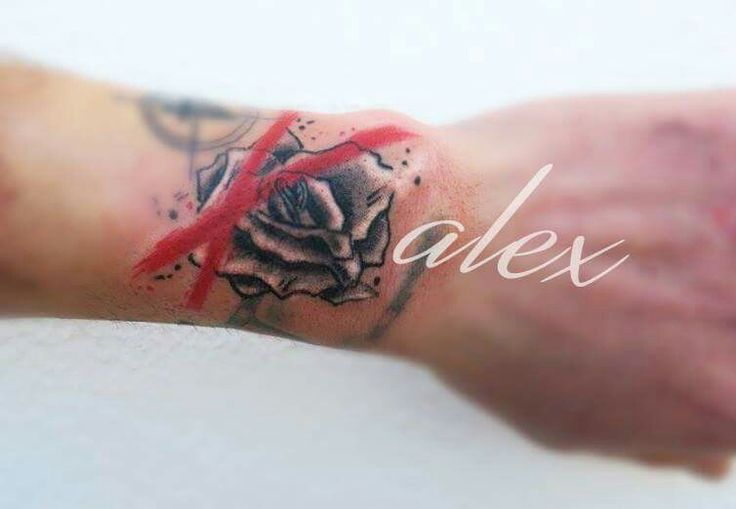 Rose tatoo black and white