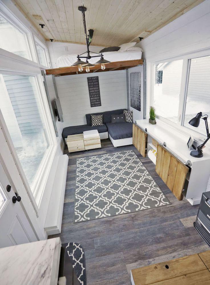Lijkt wonen op 30 vierkante je maar krap en onmogelijk? Niet als je het zo inricht als Ana White doet. Een heel slim huisje!
