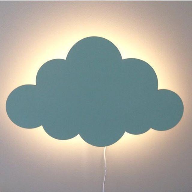 Sky Lamp i mint fra @fermliving, like fin på gutterom som jenterom! ☁️ Bilde lånt av @fermlivingkids #fermliving #keiserensnye #belysning #barnerom #nettbutikk #frifraktover1000kr