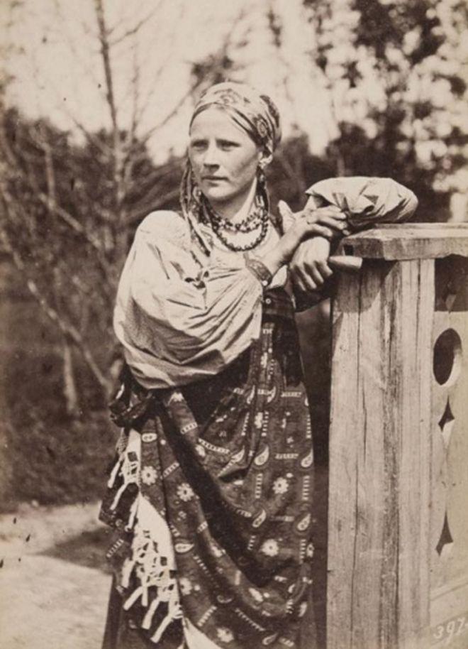 Фотограф Вильям Каррик (1827—1878) Русская крестьянка из Тверской губернии. 1860-е