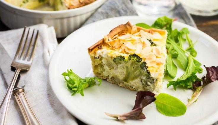 Dit recept is simpel en perfect voor een doordeweeksedag: hartige taart met broccoli, bloemkool en geitenkaas.…