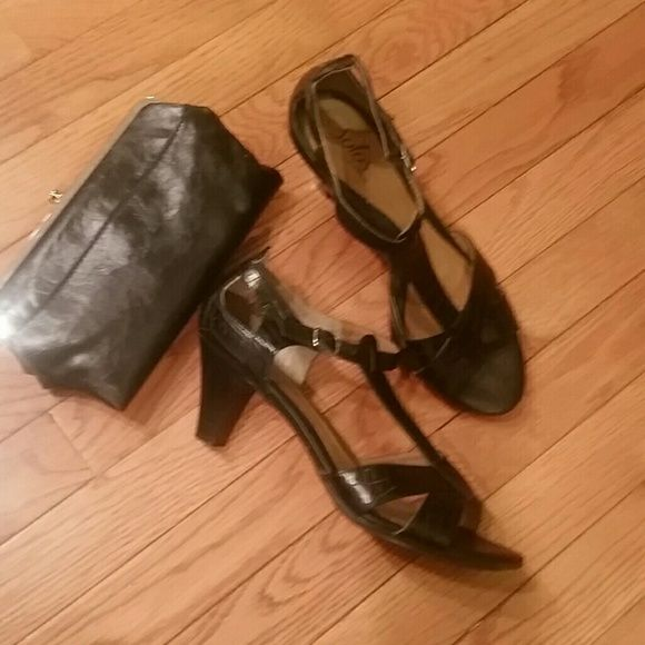 Solos by Softspot!! Size 10 Very nice Heels by Softspot! Size 10!!! Right heel on back at top has scratch and leather has small scratch ....see pics for details. .. softspots Shoes