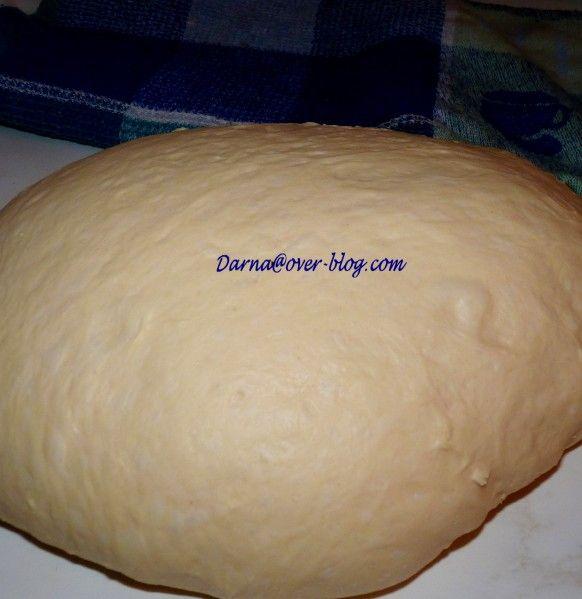 j'avais déja posté il y'a un moment la recette de la pâte magique qui a eu un grand succès , et qui a fait le tour de la blogosphère,aujour'dui j'en poste une autre,la première ayant comme ingrédient magique le lait en poudre et celle aujourd'hui le remplace...
