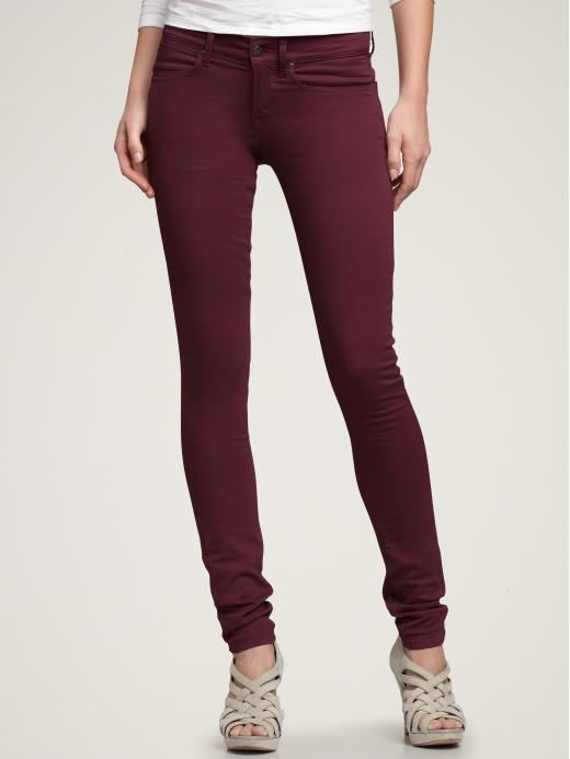 These jeans are made from our highest quality cotton blend denim, and contain a small percentage of Elastane for a comfortable fit. The jeans are available for purchase in the color maroon. Their hemline ends below the ankle bone.