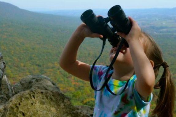 Using a binocular out doors