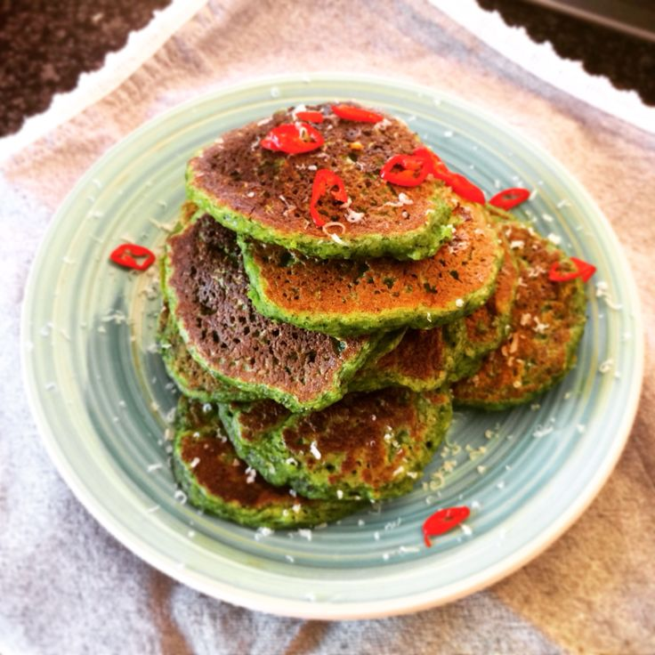 BANTING FRITTERS COURGETTE, Parmesan, spinach